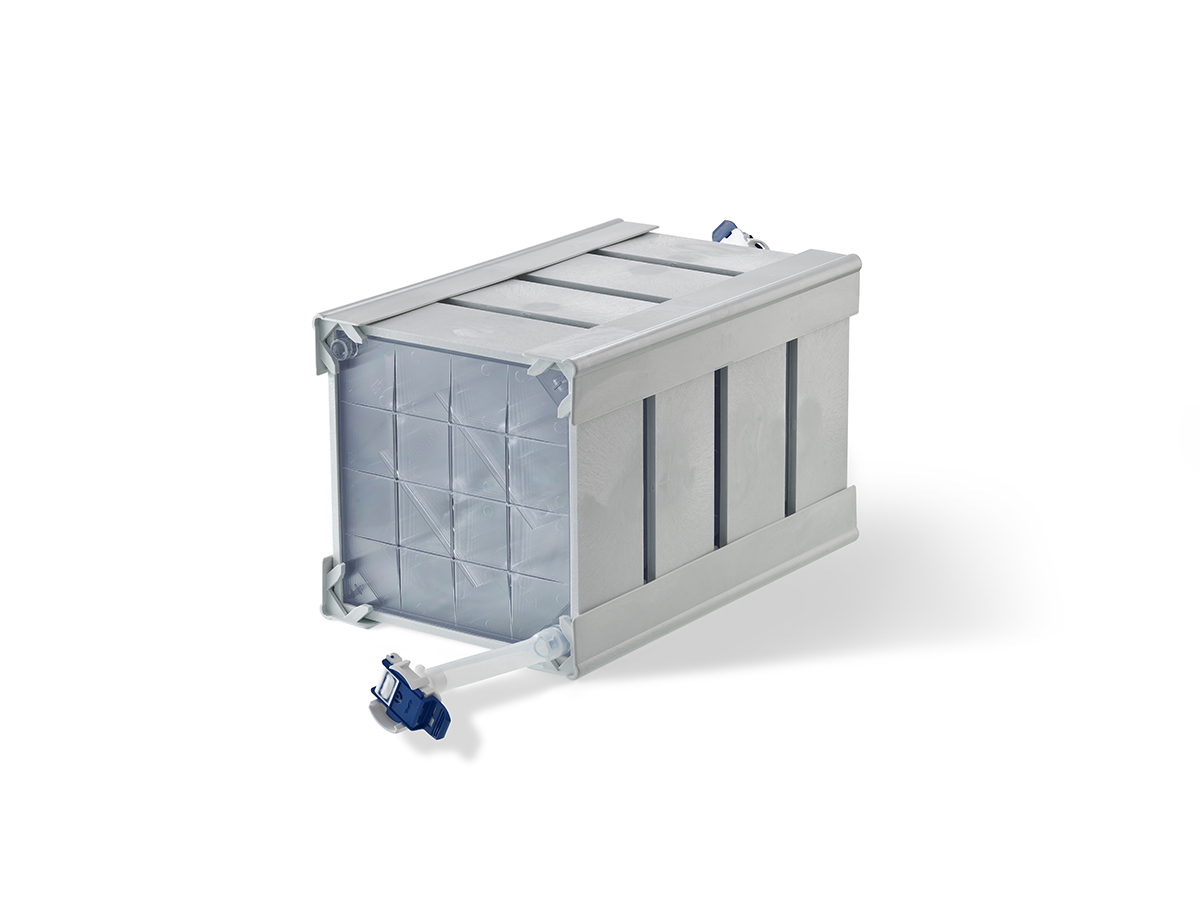 100-Layer CellCube® Module with 85,000 cm² Growth Surface and Aseptic Connectors